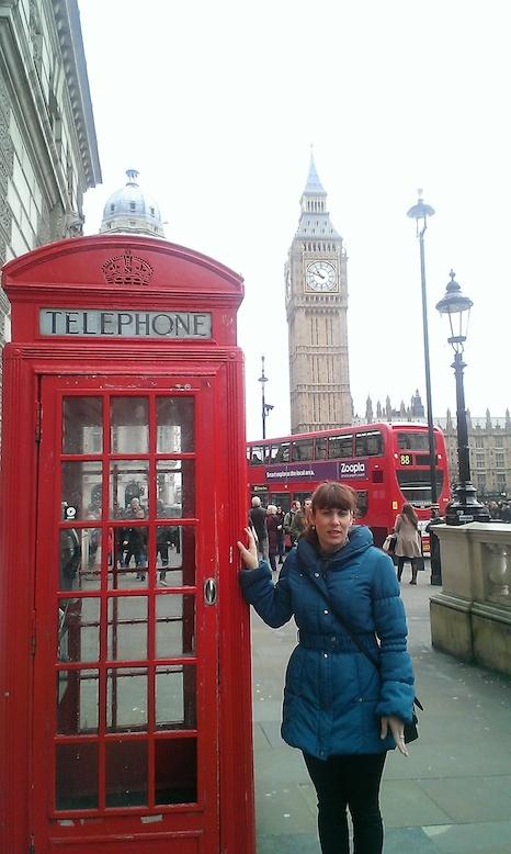 Daima en una cabina en Londres